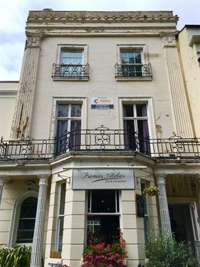 Room 8, Warwick Row