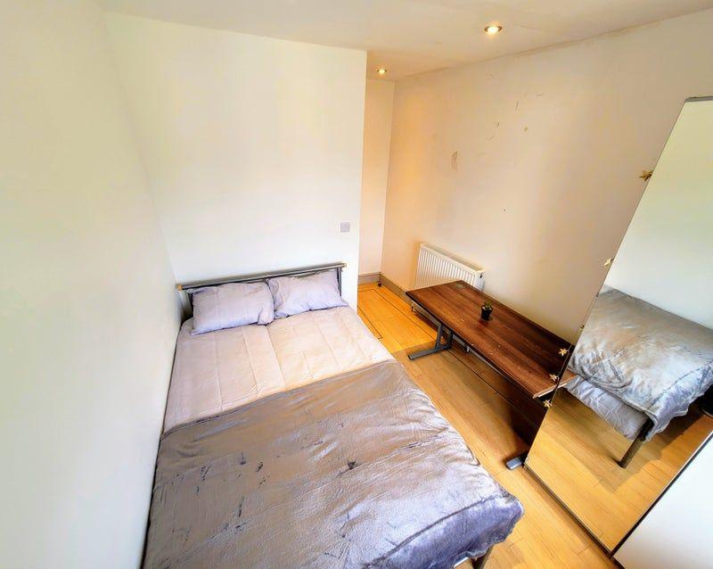 Room 2, Quinton Park, Coventry